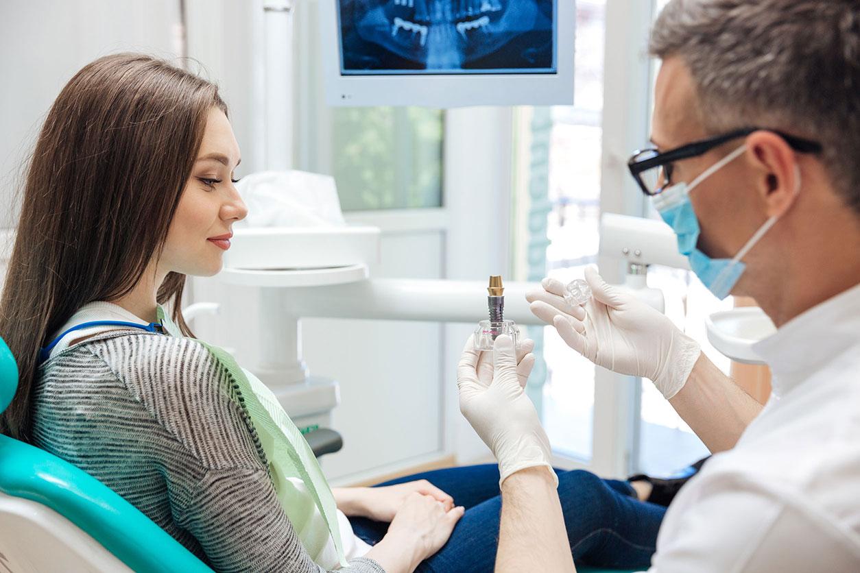 Quelles infections apportent l'implant dentaire ?